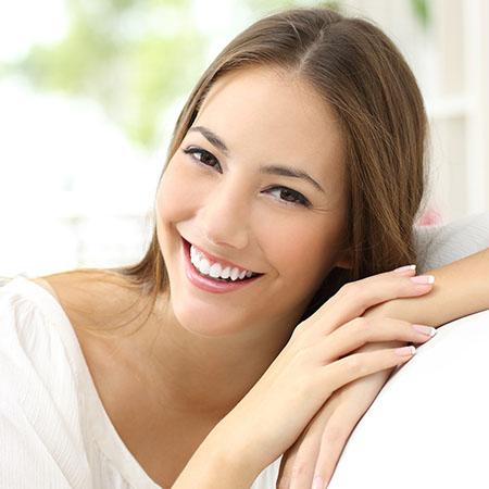 Schöne Zähne mit ästhetischer Zahnheilkunde